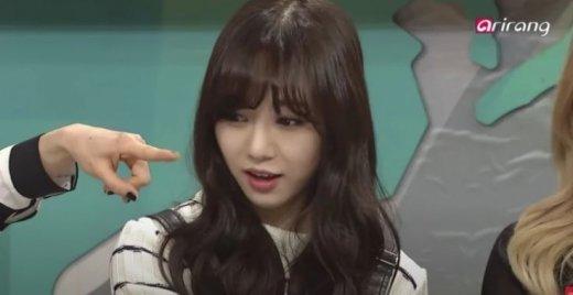 Netizenler Mina'nın uğradığı zorbalık hakkında ipuçları buldu
