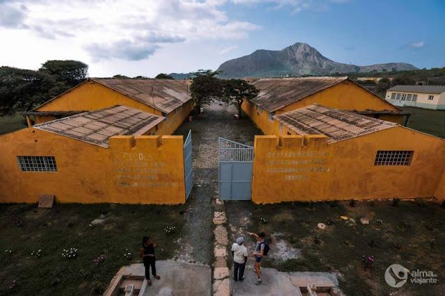 Salazar encarcerava assim | Campo do Tarrafal, o campo da morte lenta