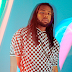"Yassss! 👑 Ícone queer negro, MNEK está fabuloso no clipe de ""Correct"", do disco ""Language"""