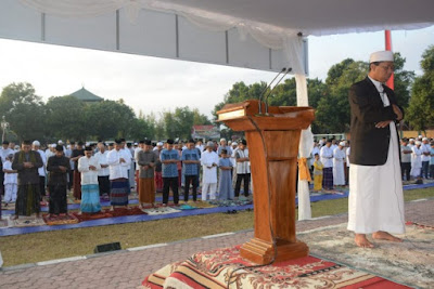Pangdam Bersama Kasdam IX/Udayana Sholat Idul Fitri di Makorem 163/WSA