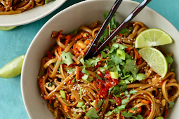 SPICY THAI NOODLES #vegan #vegetarian #soup #breakfast #lunch
