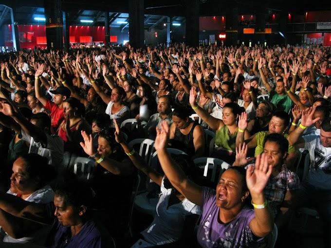 Gilmar Mendes mantém decreto de São Paulo que proíbe cultos religiosos.