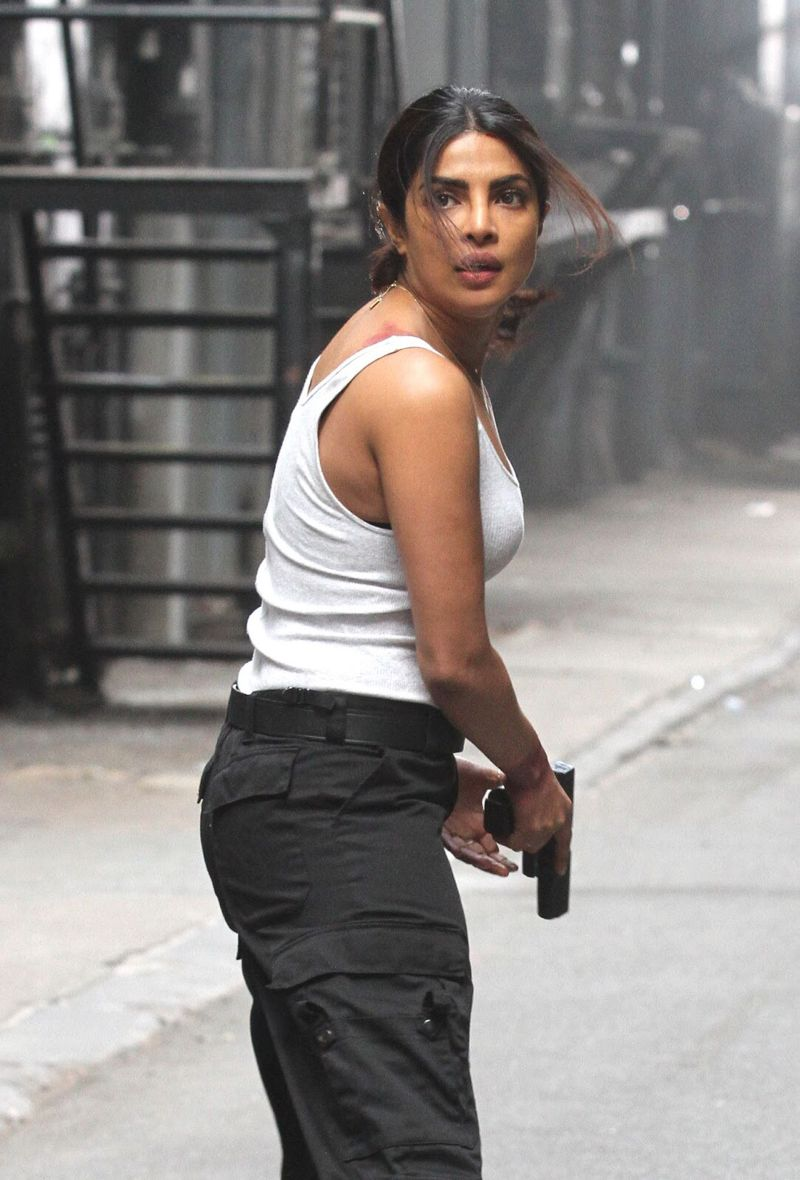 Priyanka chopra hot in quantico