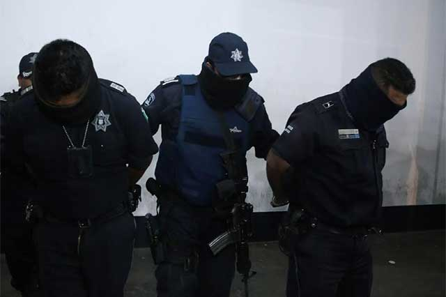 Policías relacionados con chupaductos