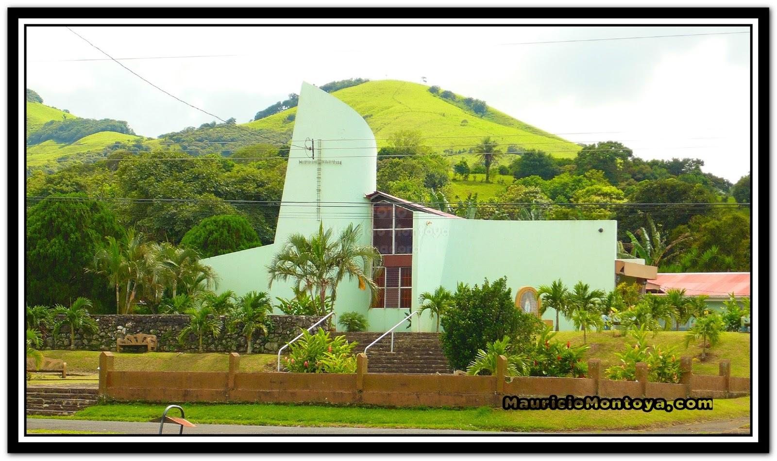 Templo Católico De Tronadora