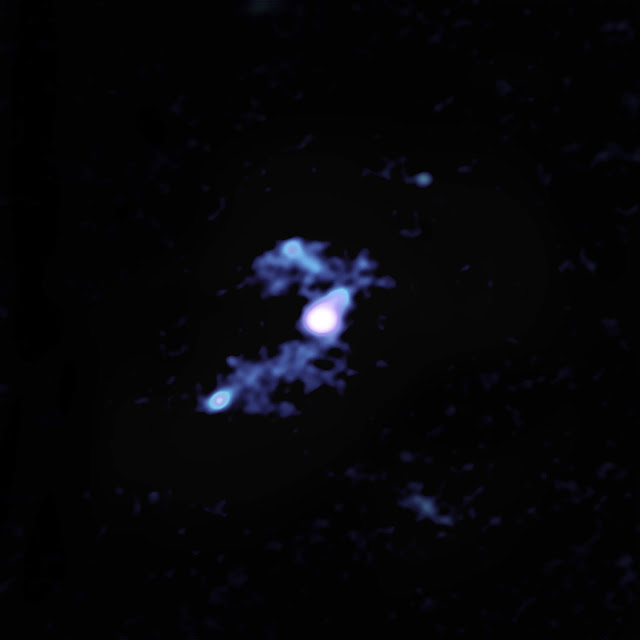 Trans-galactic streamers feeding most luminous galaxy in the universe