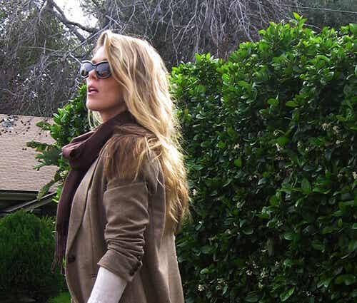 9 biện pháp tự nhiên làm tóc nhanh dài để bôi trực tiếp lên tóc của bạn