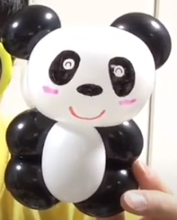 Ballontier kleiner Panda.