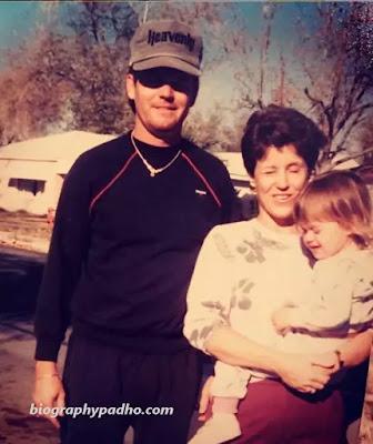 Katy Perry Family Photo