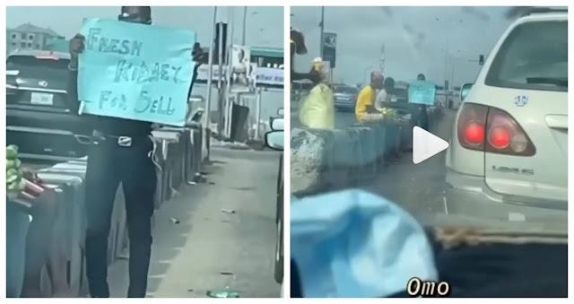 Man spotted in Lagos traffic advertising 'fresh kidney' (Video)