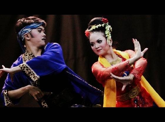 Tari Ketuk Tilu Tarian Tradisional Di Jawa Barat Negeriku Indonesia