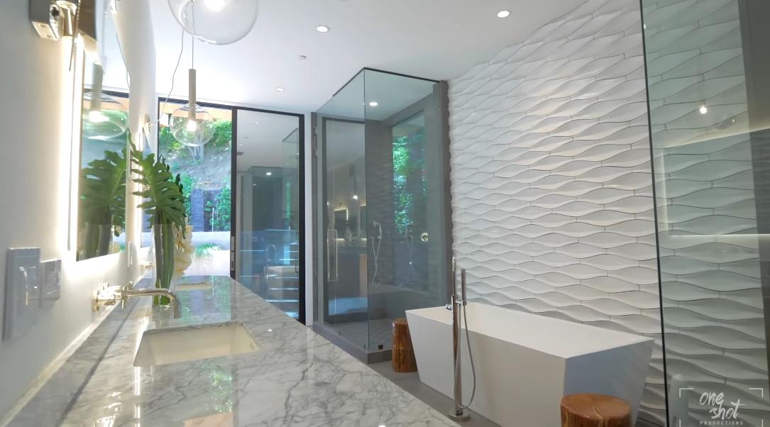 26 Interior Design Photos vs. 727 N Beverly Glen Blvd, Los Angeles Luxury Home Tour