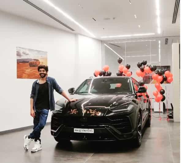kartik aaryan new car