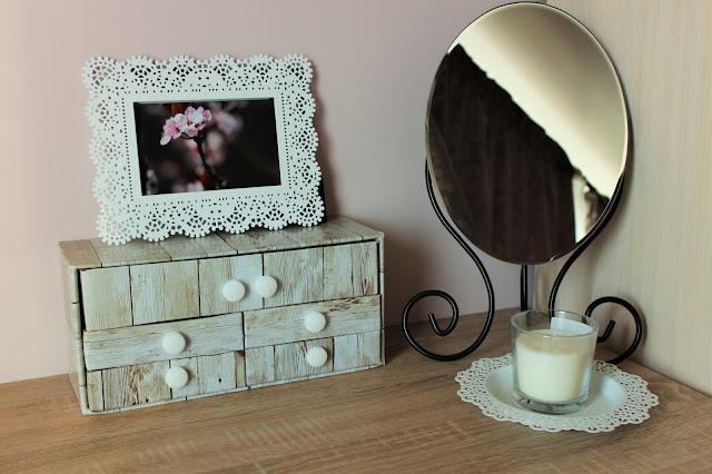 DIY -  szufladka na kosmetyki