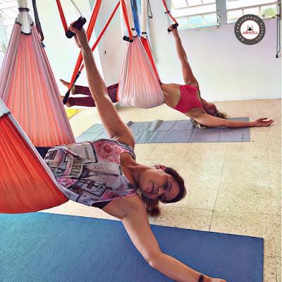 yoga aerien, aeroyoga, pilates, fitness, sante, bienetre, stage, formation, enseignants, professeur, formation professionnelle, sport, sportif, paris, france, aix en provence