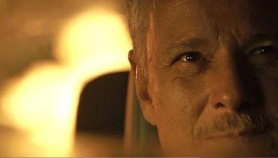 Sampaio (Marcello Novaes) segue as ordens de Olavo (Tony Ramos) e explode reservatório de água de Serro Azul, em 'O Sétimo Guardião' — Foto: TV Globo