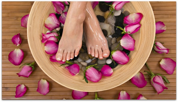 http://www.skincarebeautyzone.com/wp-content/uploads/2014/05/homemade-foot-spa-treatment.jpg