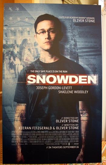 Snowden 2016 English Movie Download
