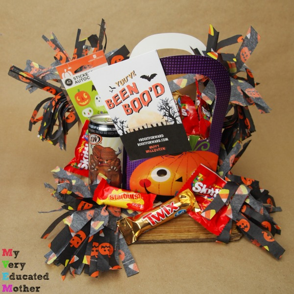Know a booklover? This is a great Halloween gift idea. It's a BOO kit in a Book!