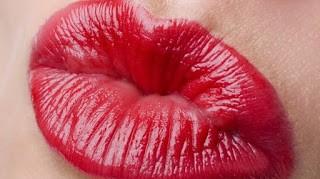 Ini Dia 3 Cara Alami Untuk Memerahkan Bibir Yang Harus Kamu Coba