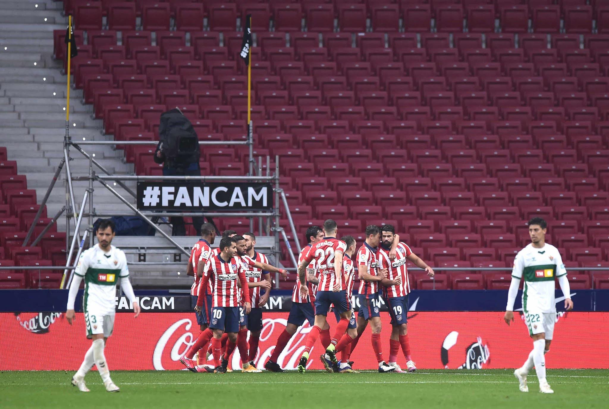 Atlético de Madrid se despega en la punta de LaLiga tras vencer al Elche de Almirón