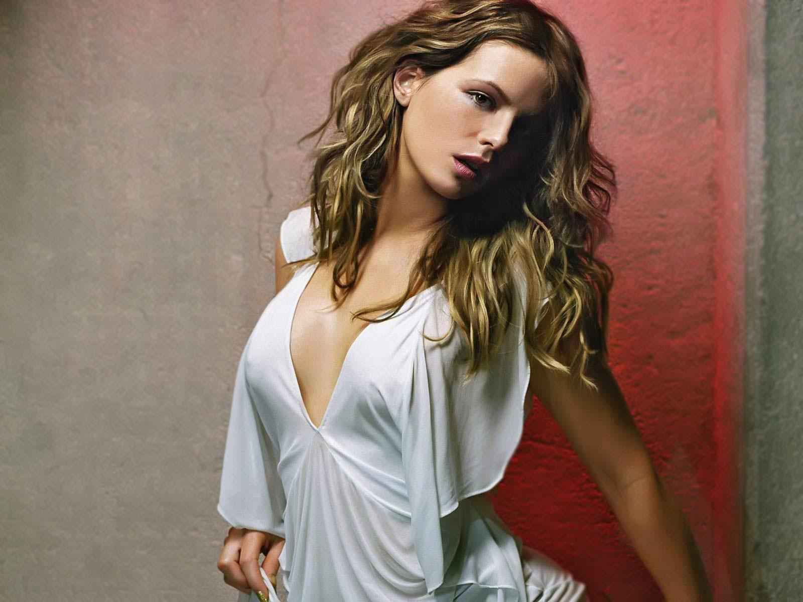 hollywoodhotspot: Kate backinsale hot wallpapers