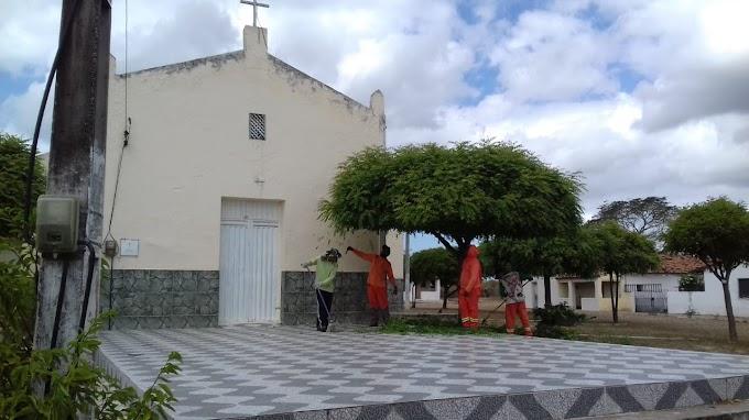Prefeitura de Cariré-CE realiza o mutirão de limpeza pública em Muquém de Santo Antônio