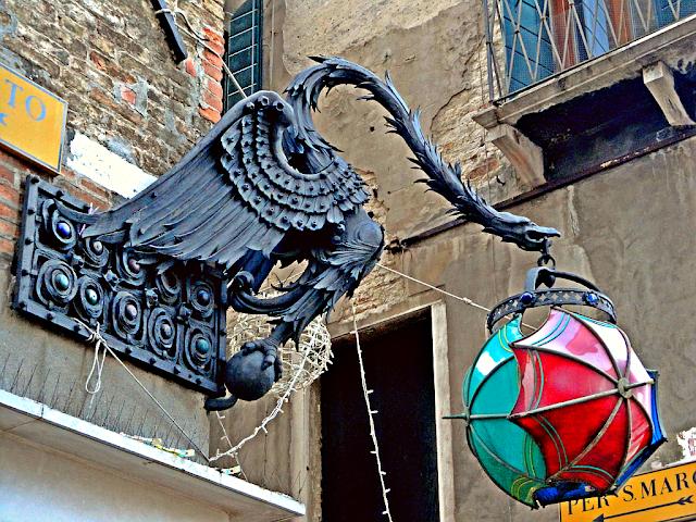 Jak se dostal do Benátek strašidelný drak