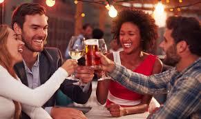 beber o no beber alcohol, alcohol, medida justa de alcohol, beneficios de tomar alchol, beneficios de tomar alcohol, riesgos de beber alcohol, riesgos de tomar alcohol.,