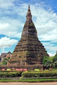 That Dam Stupa (Vientiane, Laos)