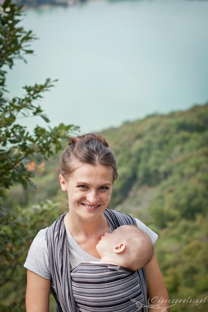 wycieczka z niemowlakiem, góry z małymi dziećmi, chustowanie
