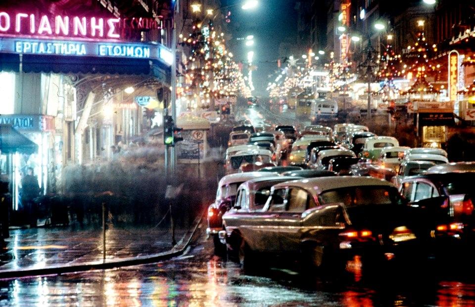 http://1.bp.blogspot.com/-tfWMH-pPgTs/UN8yV05jhTI/AAAAAAAAFJI/DzAAyA01O-I/s1600/Athens+Dec.+1960+by+Kostas+Mpalafas.jpg