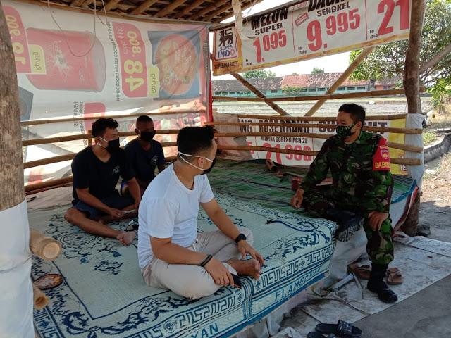 Mantapkan Kemanunggalan TNI Rakyat Babinsa Lakukan Komunikasi Sosial