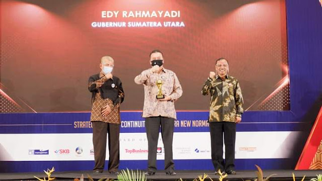 Gubernur dan Bank Sumut Kembali Raih Penghargaan TOP BUMD Awards 2020