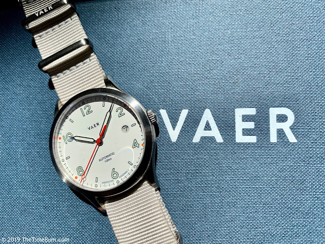 Vaer Automatic White Design
