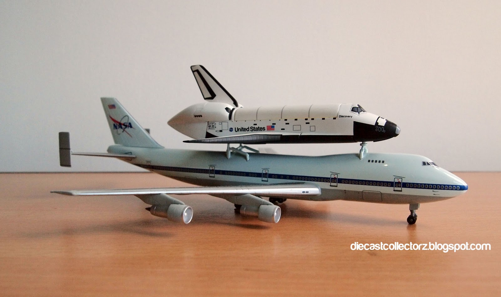 Boeing 747 SCA & Discovery