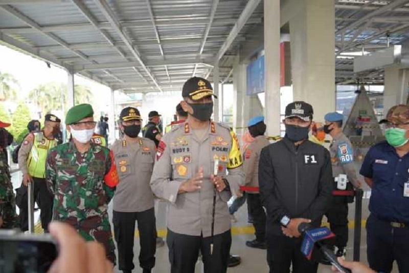 Kapolda Jabar Tinjau Stasiun KA Bogor dalam Rangka Penerapan New Normal