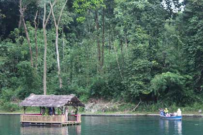 objek wisata situ cipanten majalengka tarik wisatawan