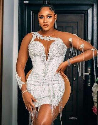 Latest Short Lace Gown Styles