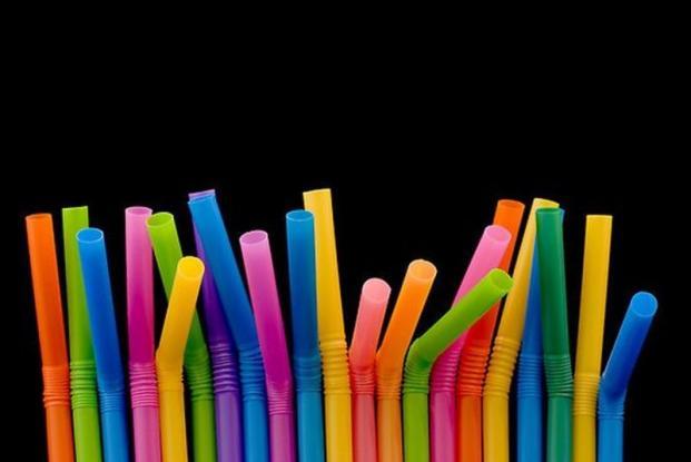 Αυτά είναι τα νέα καλαμάκια – Τέλος τα πλαστικά (Photo)