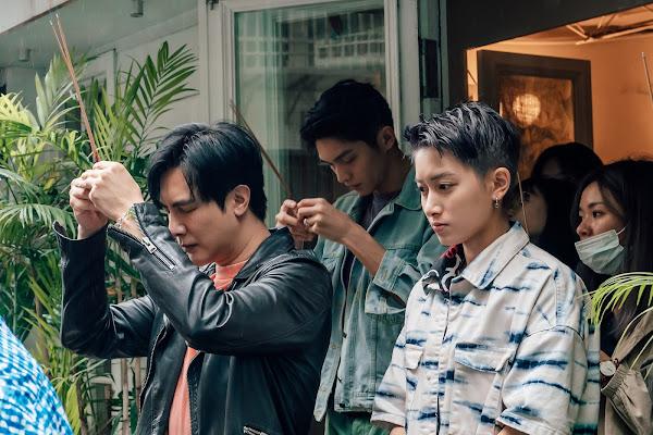 《酷蓋爸爸》主要演員到場祈福開拍順利,(左)謝佳見、(中)林輝瑝、(右)鄭靚歆