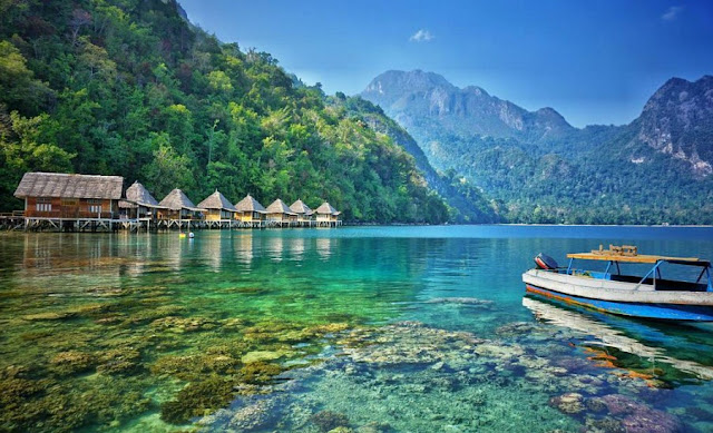 Pantai Ora – Maluku