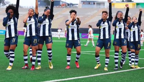 FÚTBOL: Apureña Heidi Padilla fue transcendental en victoria de su equipo en Perú.