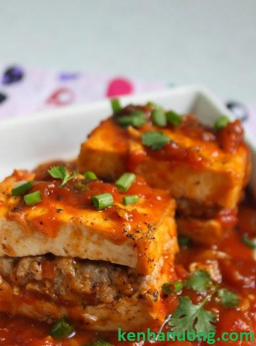 Món đậu hũ dồn thịt sốt cà chua
