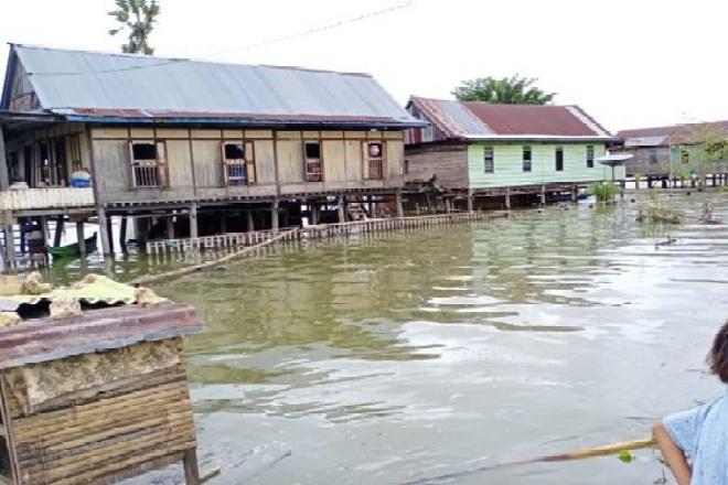 Banjir Terjang Bone Utara, Akses Jalan Poros Pakkasalo-Cenrana Terputus