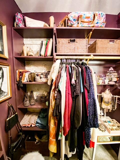 walk in closet decor