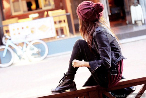 30b052b36a83a Alone fashionable cute girl hood