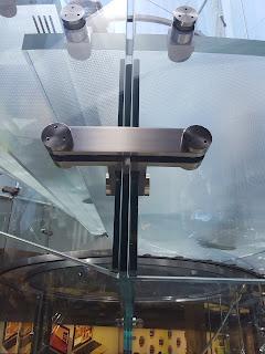 detalle edificio de vidrio