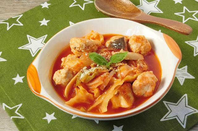 福島県産トマトジュースを使った鶏団子とキャベツのおかずスープ