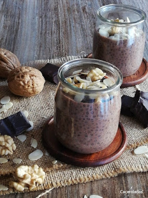 Pudin de chia con chocolate y frutos secos